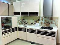 """Кухня """" Полоски"""" с комбинированным крашеным МДФ фасадом и шпоном"""