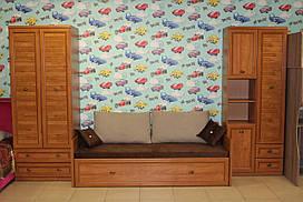 Набор мебели в детскую комнату