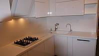 Кухонная столешница и стеновая панель из искусственного акрилового камня Samsung Staron