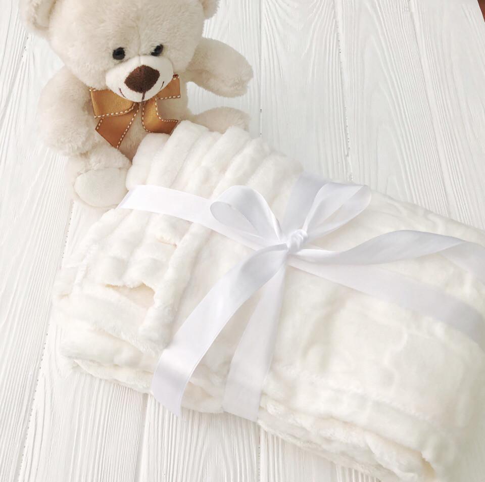 """Плед детский флисовый  с выдавленым рисунком  """"Слоники"""" молочного цвета"""
