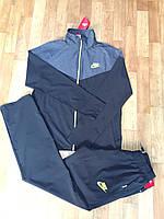 Мужской спортивный костюм Nike.