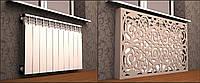 Деревянный экран (решётка) для батареи у стены