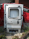 Дверь задняя левая под стекло серая на Renault Trafic, Opel Vivaro, Nissan Primastar