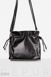 Небольшая черная сумка на плечо
