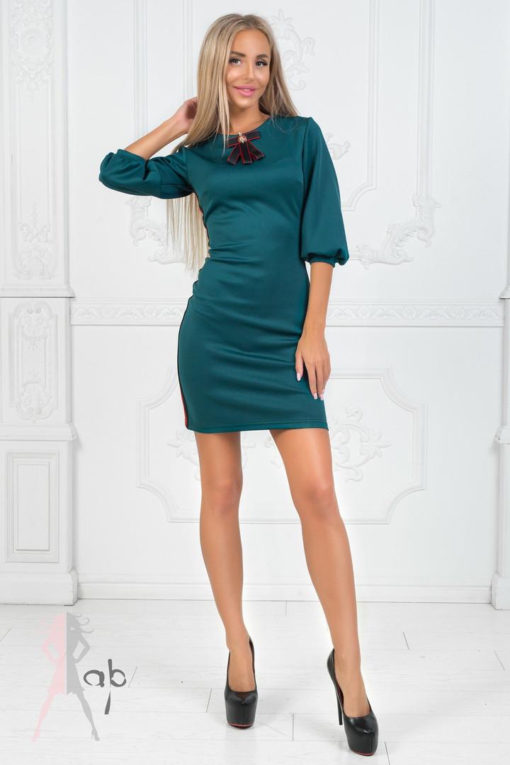 Платье с лампасами
