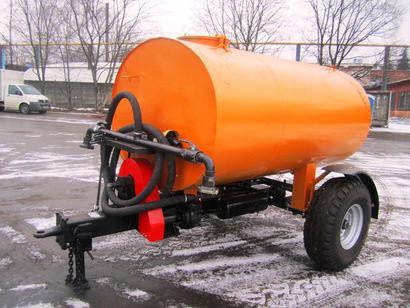 Прицеп поливо - моечный тракторный. Для полива улиц