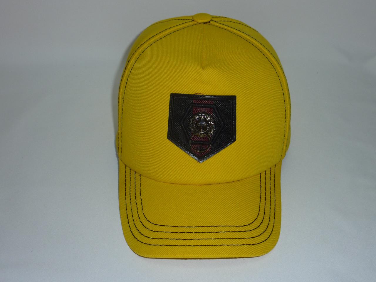 Молодежная кепка желтая