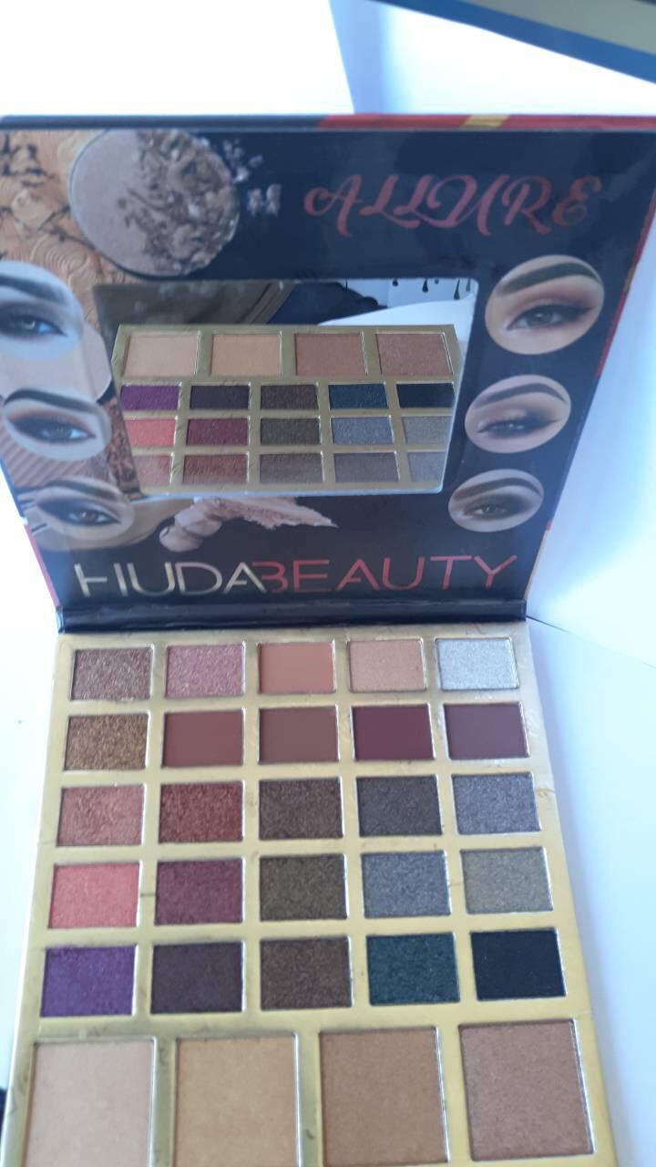 Палитра теней  + хайлайтеров Huda beauty allure 3 D ( 29 цветов )