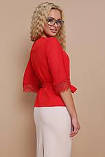 Красная блузка с пояском и кружевом на рукавах Карла д/р, фото 2