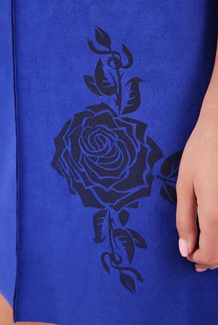 """Красивое короткое прямое платье-туника под замш с розой """"Crystal"""" электрик, фото 2"""