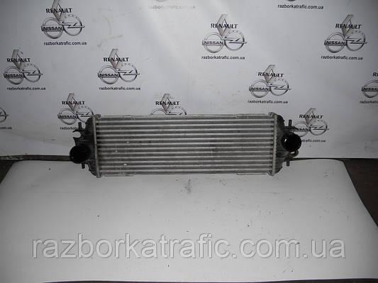 Радиатор интеркуллера 1,9 на Renault Trafic, Opel Vivaro, Nissan Primastar