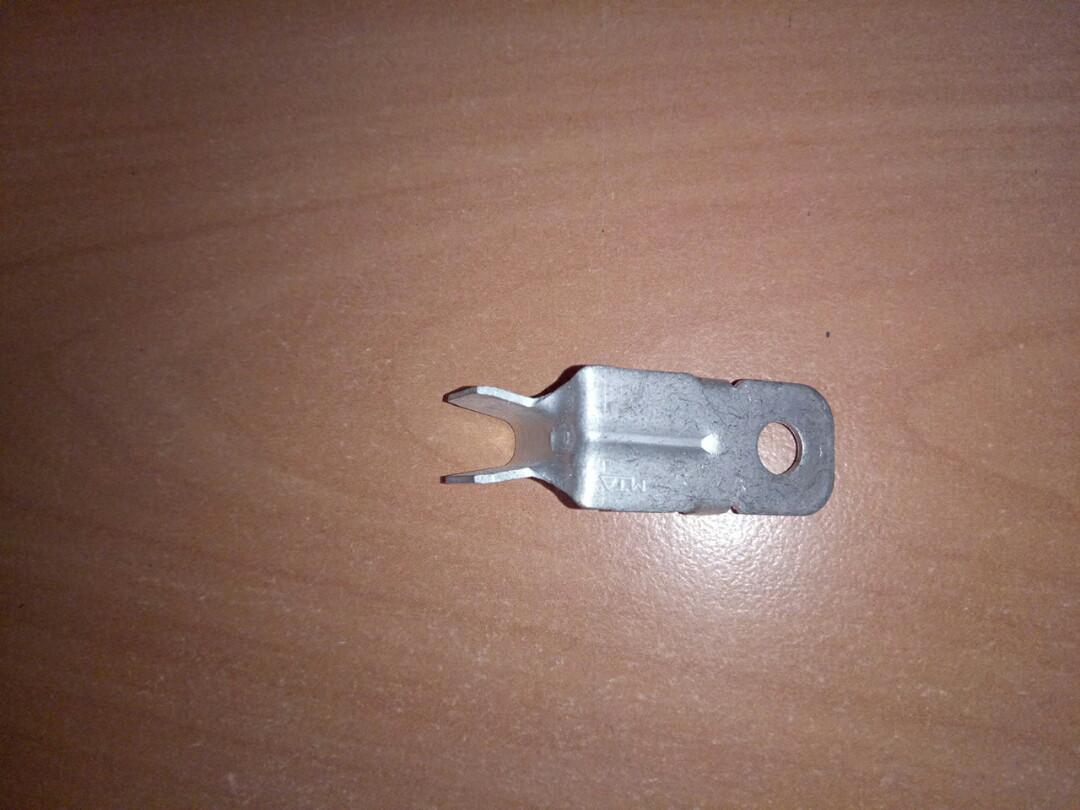 Клемма (зажим провода АКБ) 2992399 IVECO