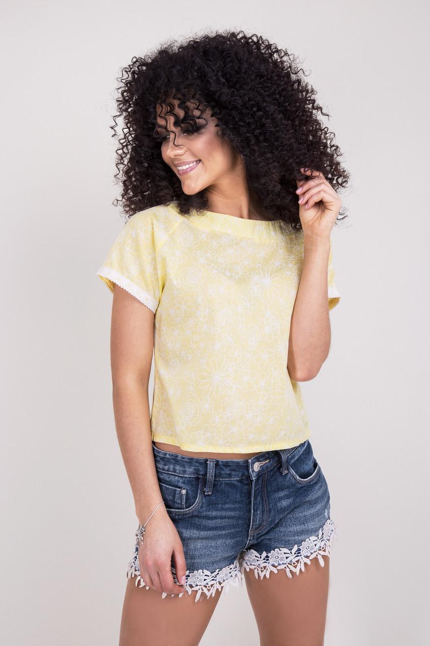 Летняя женская футболка