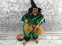 Баба Яга на метле 30 см музыкальная, - декорация на хеллоуин, фото 1