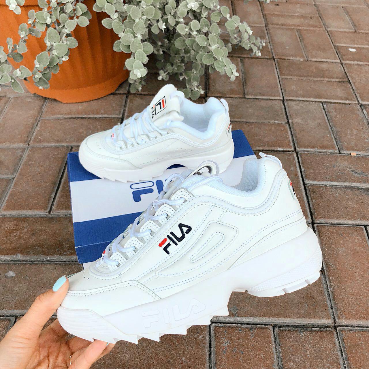 Стильные кожаные кроссовки женские белые Fila в.31кр36б  продажа ... 97fdb63e821