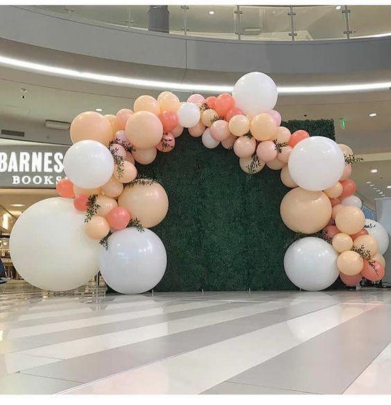 Фото зона из латексных шариков
