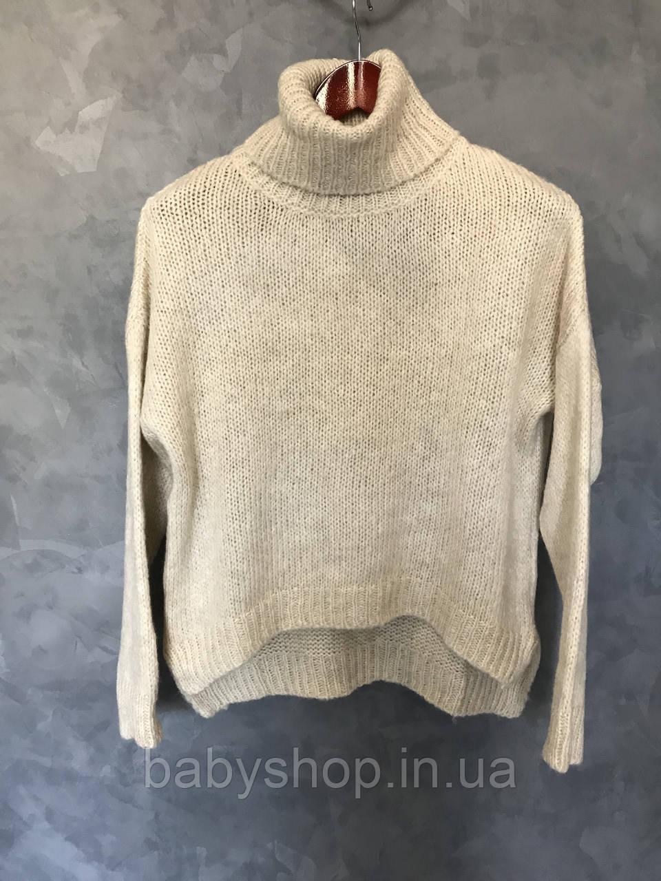 Женский свитер со спущенными плечами 1/3. Размер S, M, L. Цвет бежевый