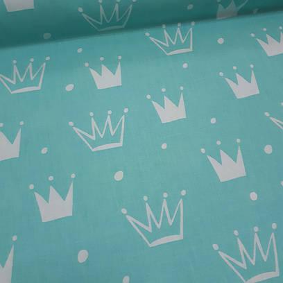 Ткань польская хлопковая, белые короны на светло-бирюзовом