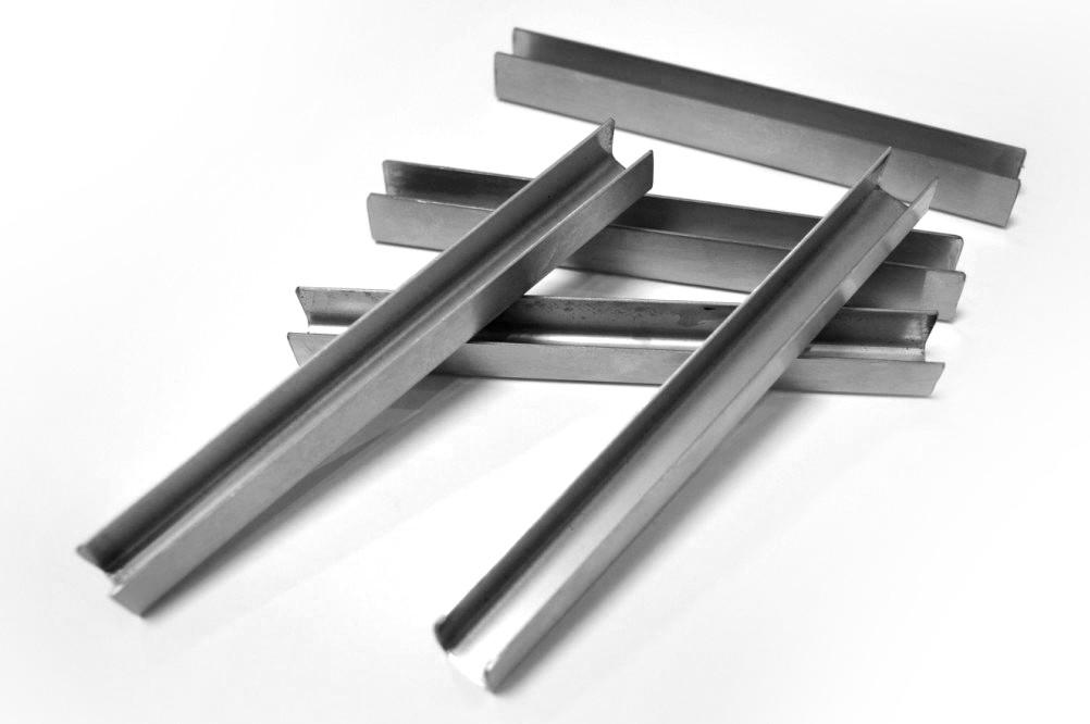 ODF-04-09-02-L2500 Профиль из нержавейки под стекло 12 мм (полированный)