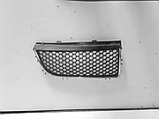 Решетка радиатора правая2001-2006на Renault Trafic