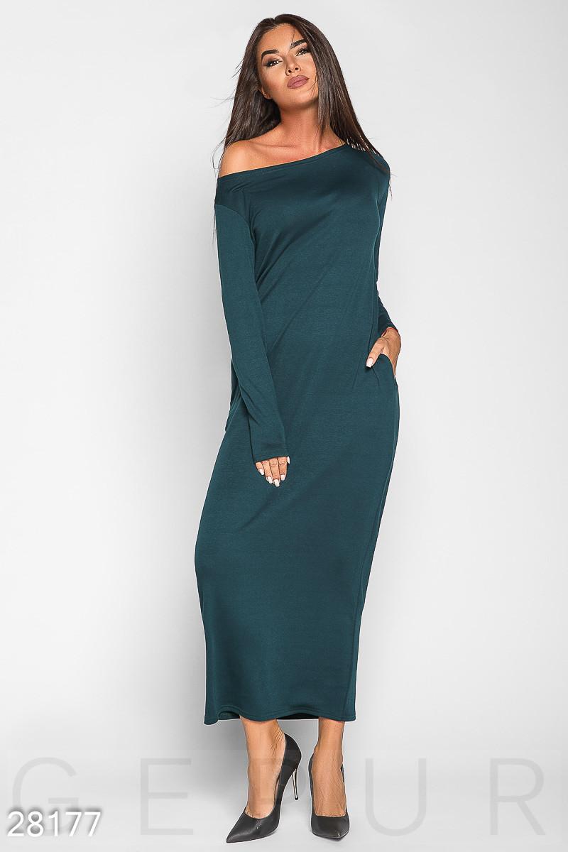 Осеннее теплое платье макси свободного кроя с длинным рукавом темно зеленое