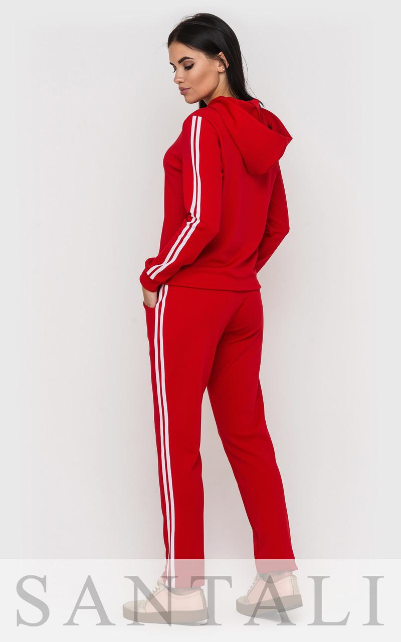 c5a21efb9c3 ... Женский красный спортивный костюм из трикотажа с лампасами tez4505421