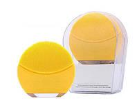 Электрическая щетка для лица FOREO Luna Mini 2 с индивидуальной настройкой очистки Желтый (SUN1759)