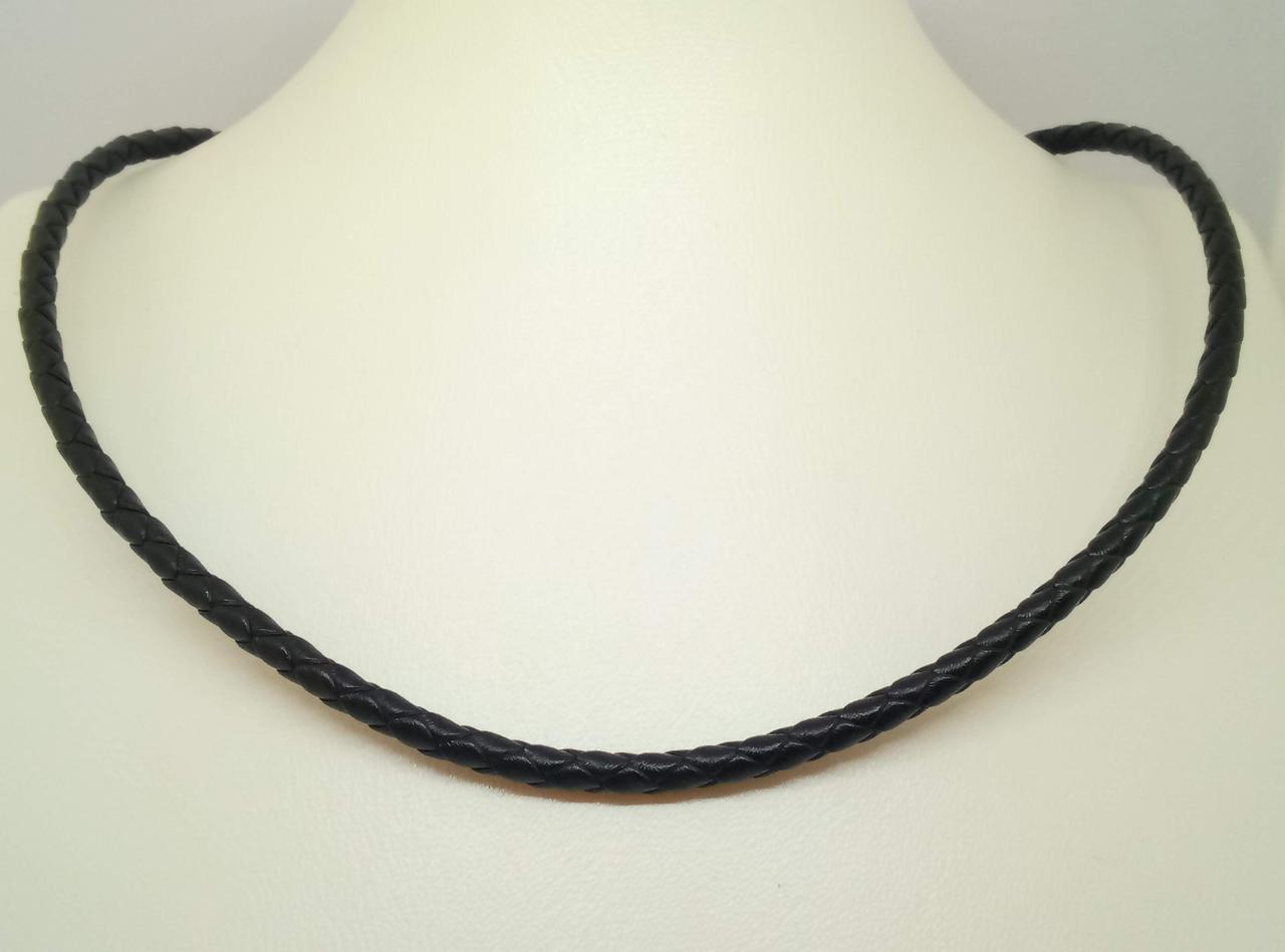 Ювелирный шнурок из кожи с золотыми вставками. Артикул ПК103И 55