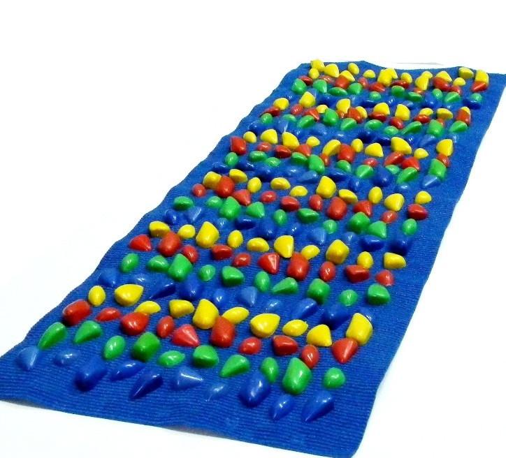 Масажний килимок з кольоровими каменями 150 х 40 см
