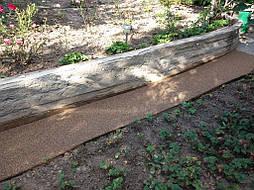 Каменный ковер на бетоне.
