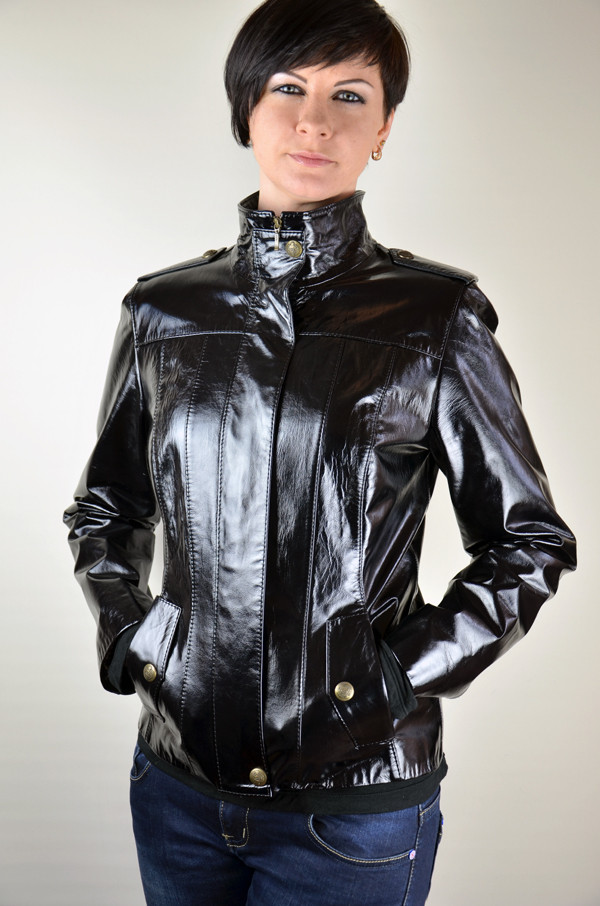 Кожаная куртка-милитари