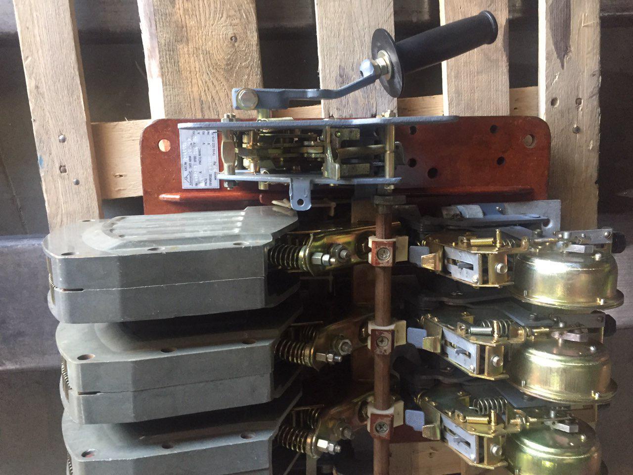 Выключатель АВМ10С АВМ10Н 1000А с электроприводом