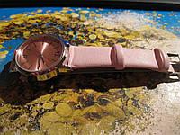 Yves rocher Часы наручные нежно розовый ремешок новые стильный дизайн ив роше женские