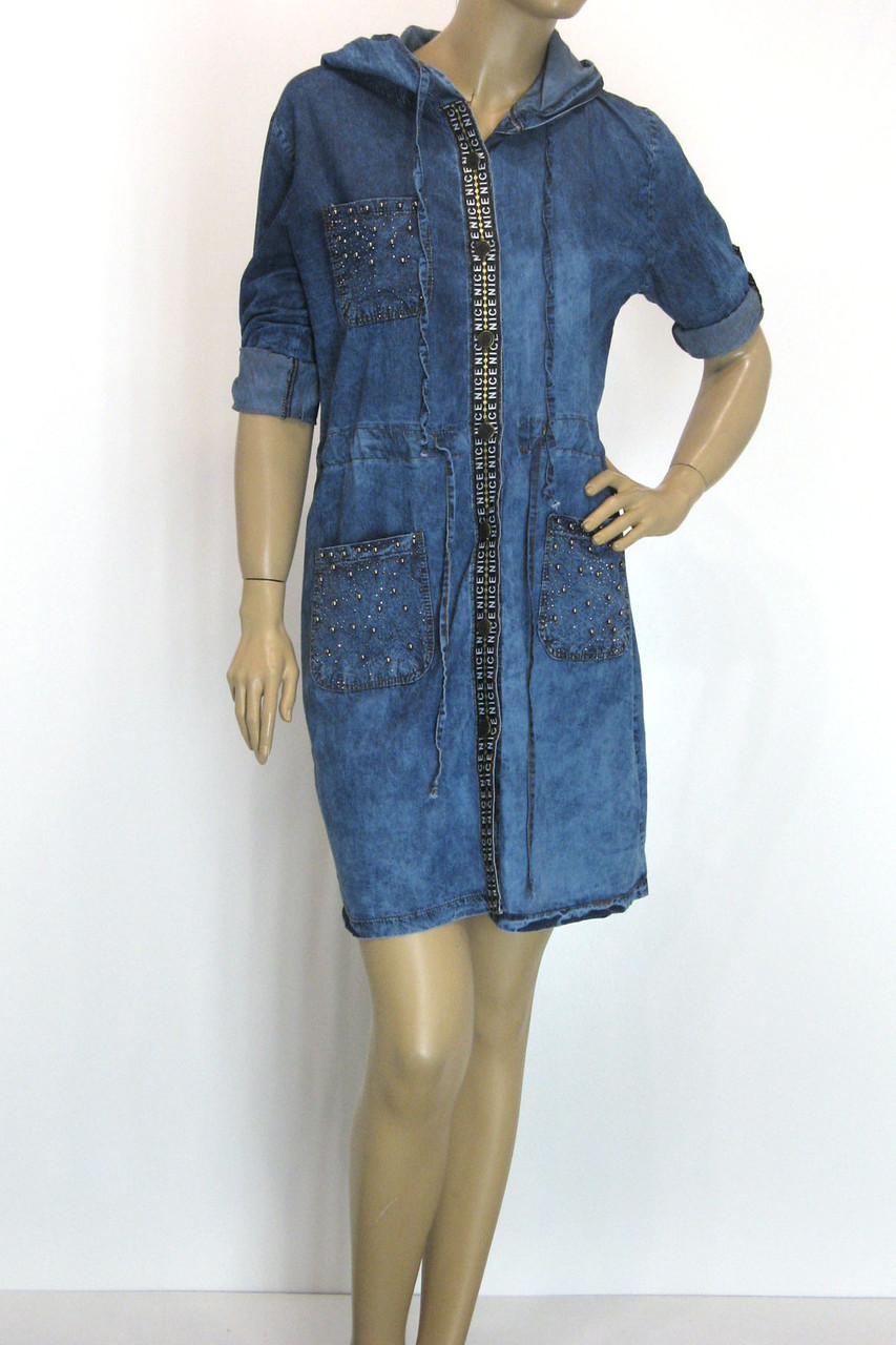 Джинсовое платье туника с капюшоном
