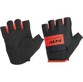 Велоперчатки NorthWave Flag Short gloves черный / красный (С8917208815)