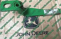 Рычаг AZ101527 подъема качалки наклонки HXE103873 з\ч John Deere Handle ручка az101527 , фото 1