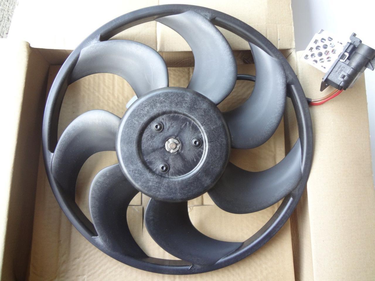 Вентилятор радиатора Opel Astra G (315mm) AC+ (с дифузорм и реостатом) KEMP