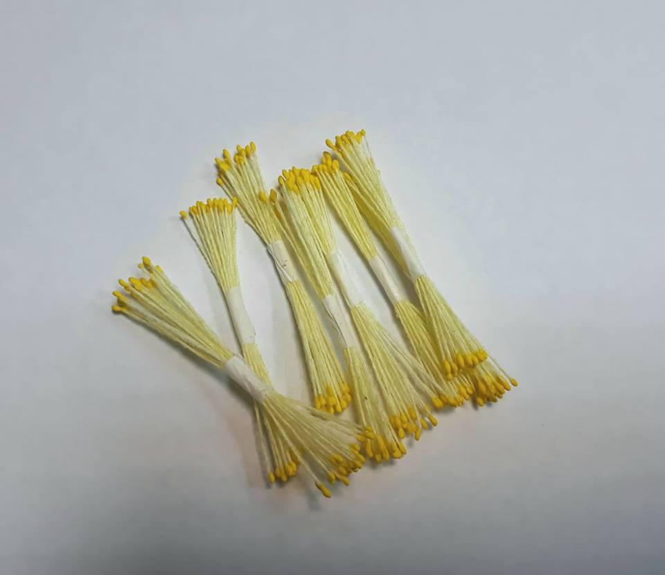 Тычинки жёлтые на бледно-жёлтой нити 25 шт. Украина - 00502