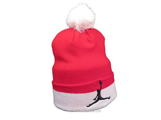 Красная шапка Jordan с белым помпоном (реплика)