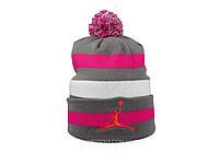 Серая шапка Jordan с помпоном (реплика)