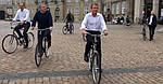 Прем'єр Данії показав Макрону Копенгаген на велосипеді...