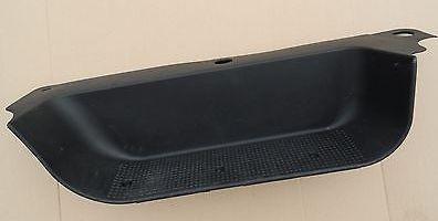 Облицовка порога (подножка) левой передней двери на Renault Trafic 2001->  — Оригинал Renault - 8200943157