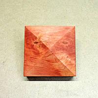Пирамида деревянная 10х10х4,5см  коралл