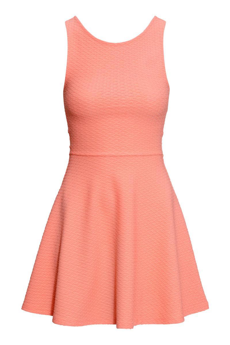 Новое фактурное платье H&M