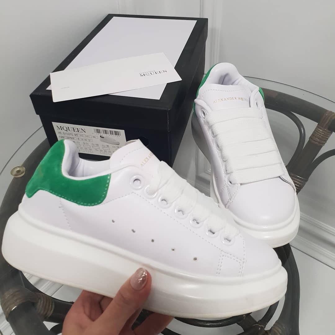 Кроссовки McQueen белые с зеленой пяточкой. Натуральная кожа. Аналог