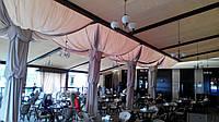 Текстильное декорирование потолков на летней площадке для кафе и ресторана в городе Харьков.