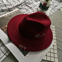 Шляпа женская Федора с кольцами и устойчивыми полями бордовая (марсала)