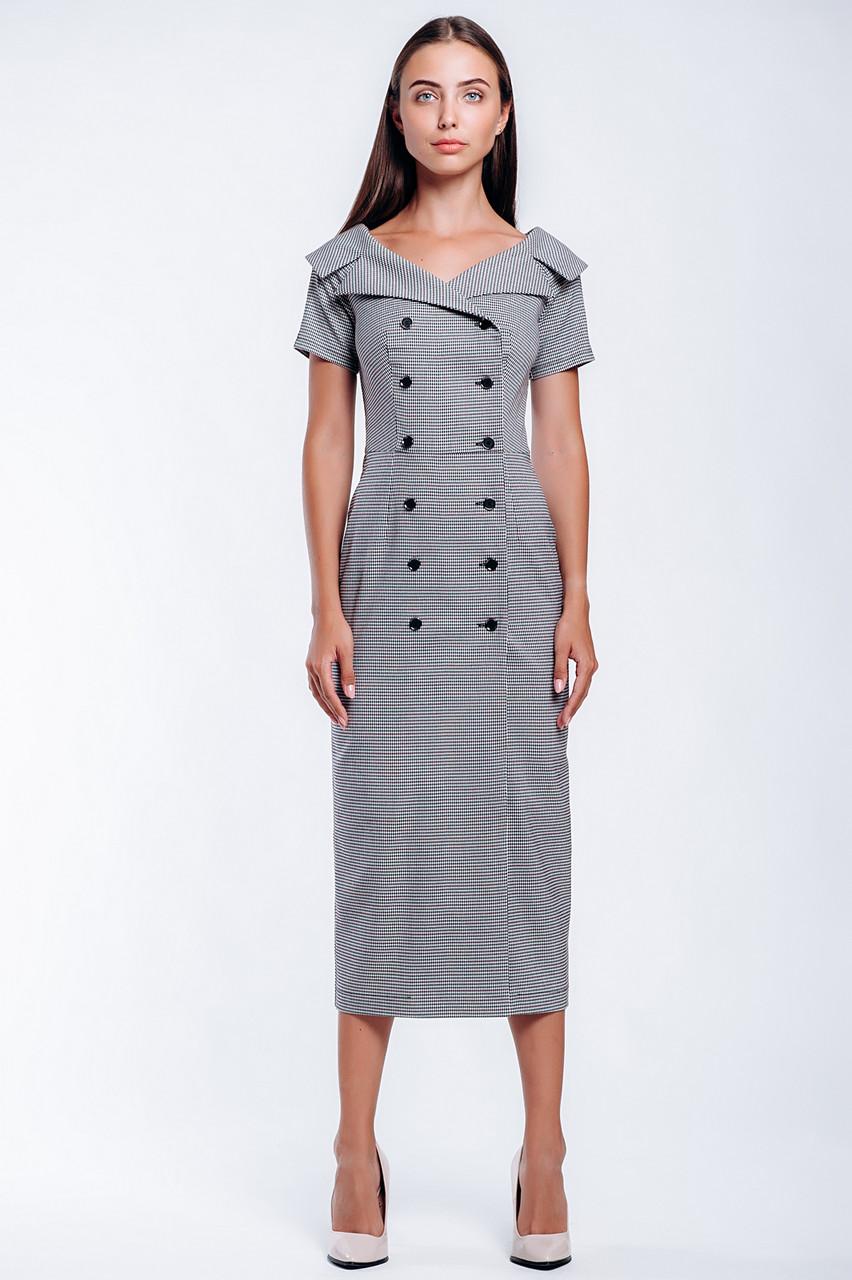 Двубортное платье длиной миди