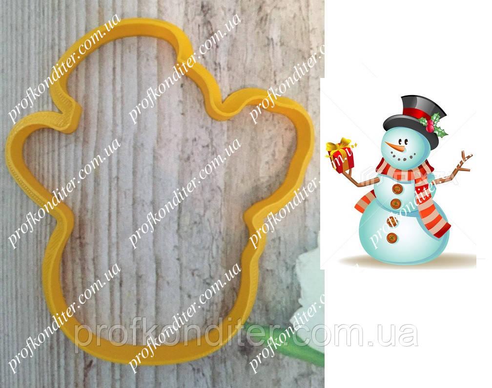 Пластиковая вырубка Снеговик с подарком