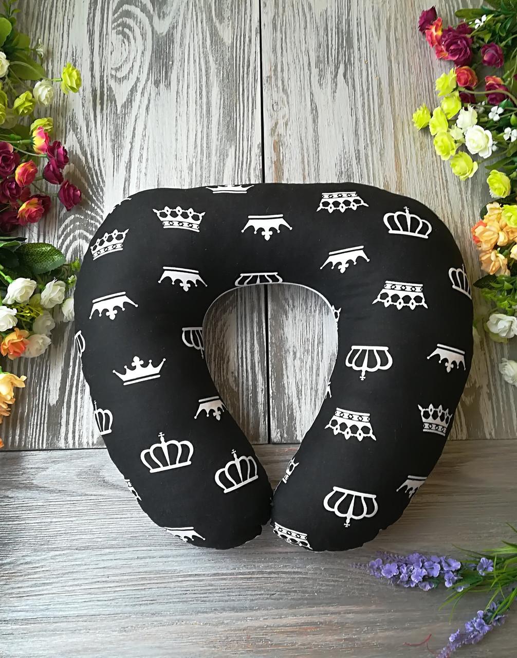 Дорожная подушка черно-белое королевство , 41 см * 34 см